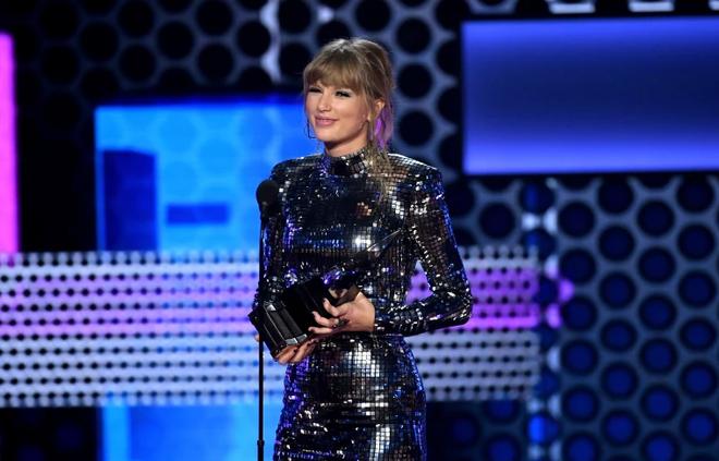 AMA 2018: Taylor Swift xứng tầm nữ hoàng, BTS trở thành niềm tự hào châu Á