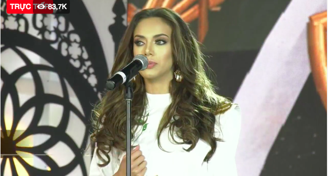 Trực tiếp Miss Grand 2018: Hùng biện trôi chảy bằng tiếng Anh, Phương Nga vẫn trượt Top 5