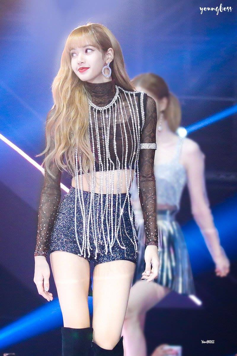 Lisa (Black Pink) đổi màu tóc mới đẹp hơn tiên tử, fan thốt lên rằng Nhan sắc cân cả Kpop là đây!