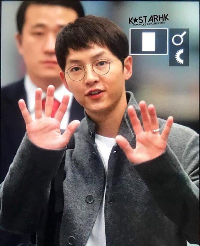 Song Hye Kyo lộ diện sau tin đồn ly hôn, lộ bằng chứng quan trọng hôn nhân rạn nứt?