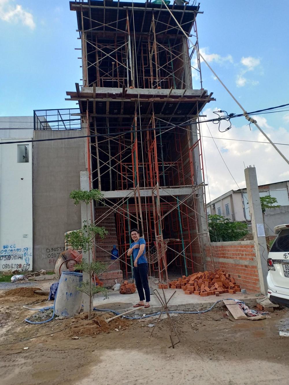 Sau chục năm ở thuê, thánh livestream Lê Dương Bảo Lâm đã tậu nhà tiền tỷ khiến không ít người xuýt xoa