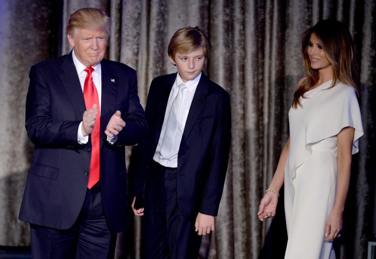 Những điều chưa biết về Barron Trump - Cậu bé sinh ra đã cầm cúp vô địch của nước Mỹ đang được cả thế giới săn đón
