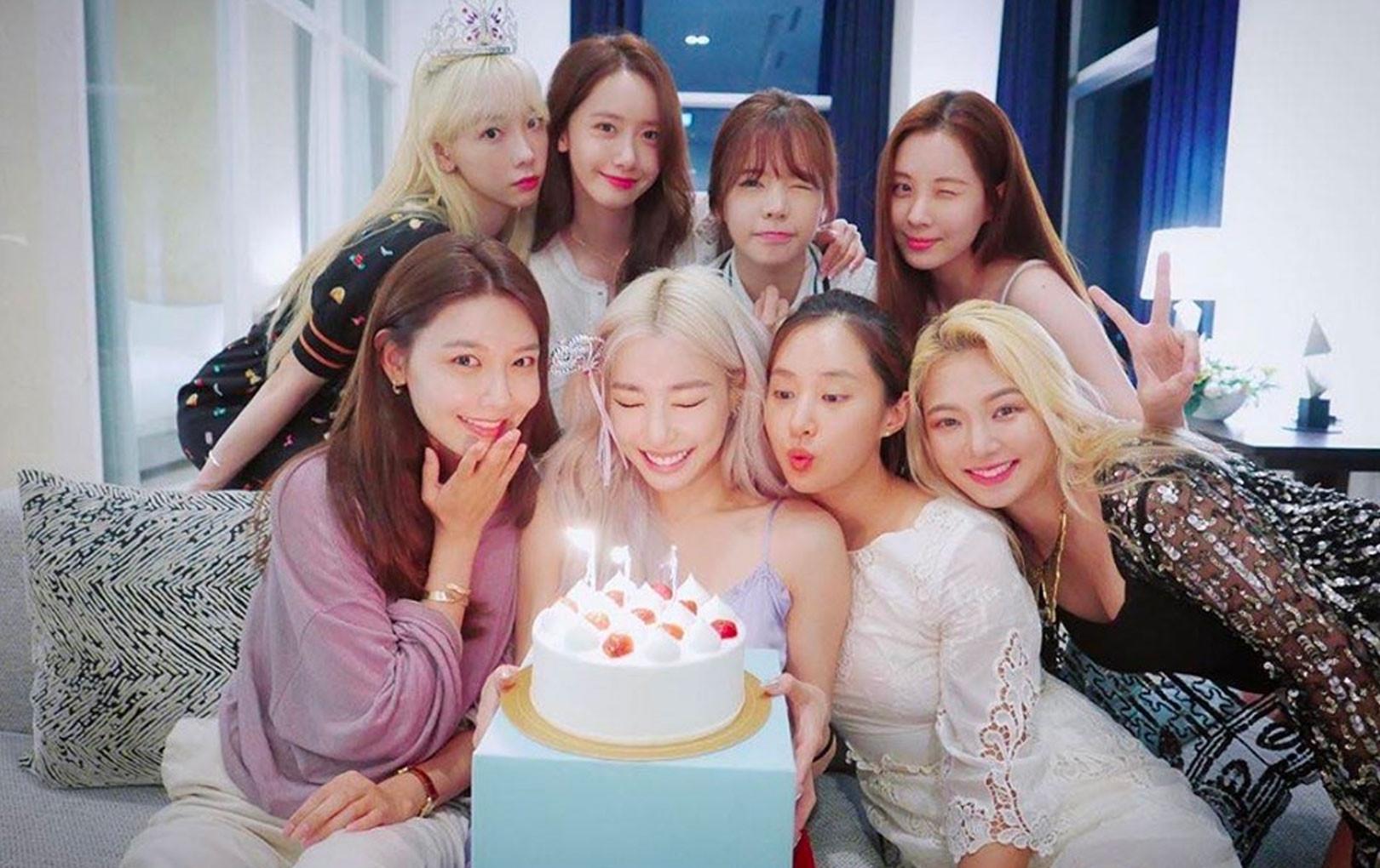 8 mẩu SNSD xinh đẹp hội tụ mừng sinh nhật Tiffany nhưng vẫn chưa trọn vẹn