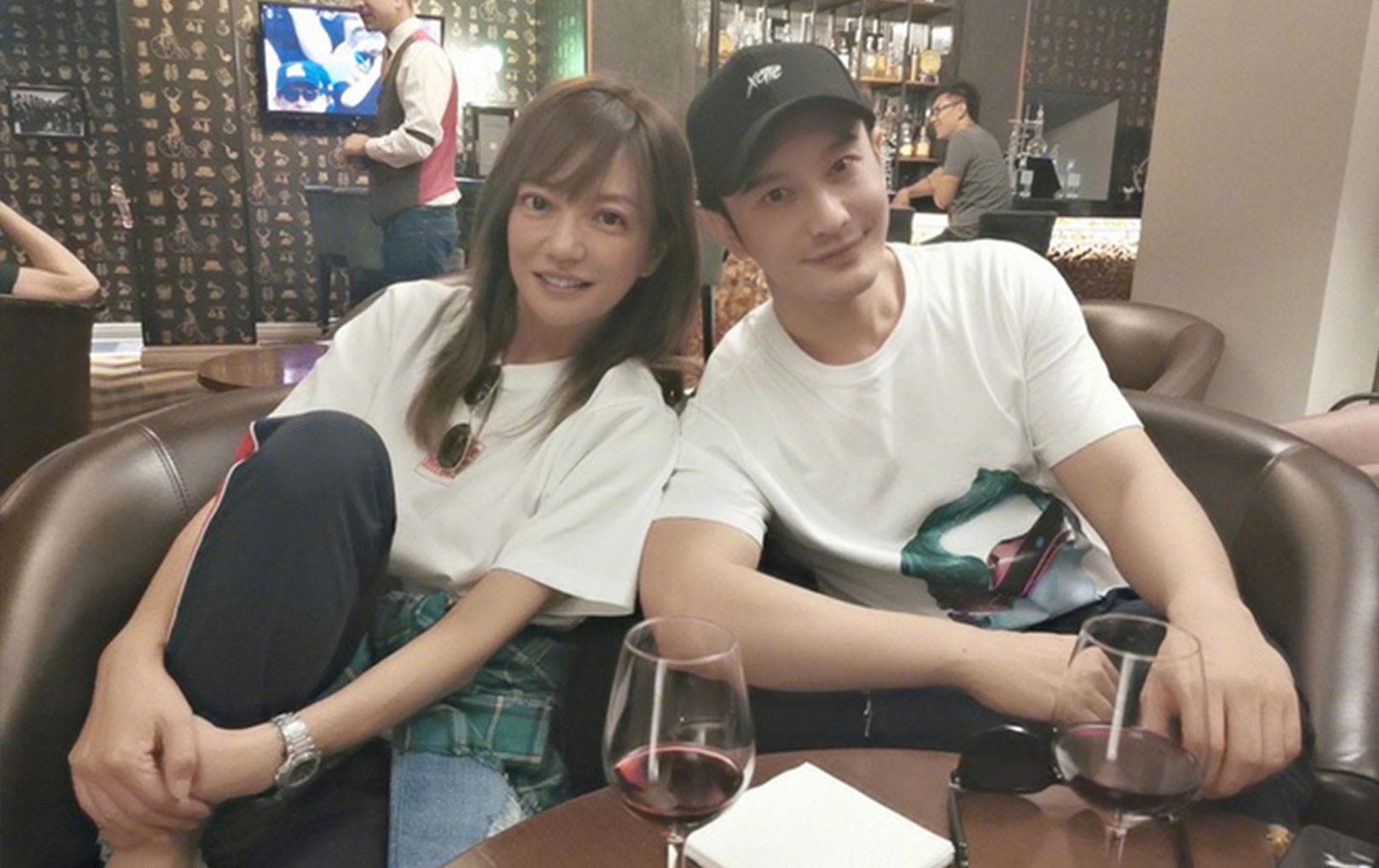 Huỳnh Hiểu Minh và Triệu Vy thân thiết chụp ảnh selfie, cả thanh xuân họ từng có nhau chợt ùa về