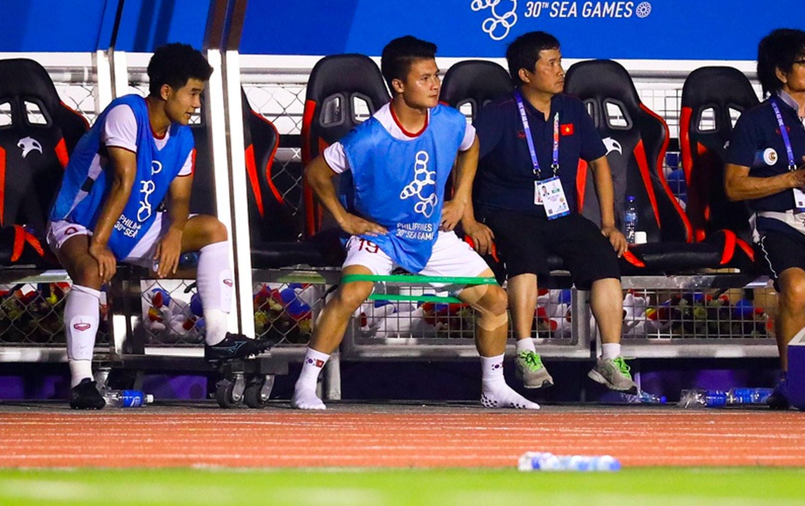"""""""Nhọ"""" như Quang Hải: Chưa kịp ra sân ra sân trọng tài đã thổi còi kết thúc trận đấu"""