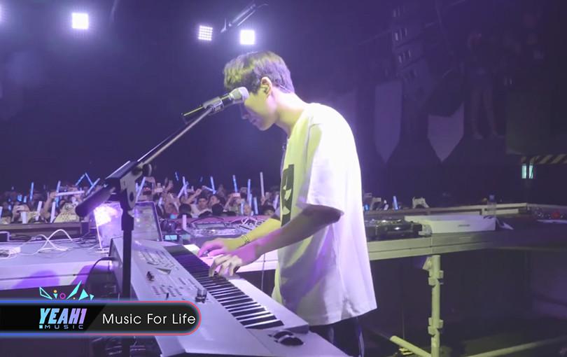 Bên cạnh Way Back Home, SHAUN còn có thêm một ca khúc gây nghiện không kém