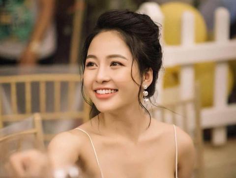Đâu là cái kết cộng đồng mạng dành cho Trâm Anh khi đòi đóng chung MV với Sơn Tùng?