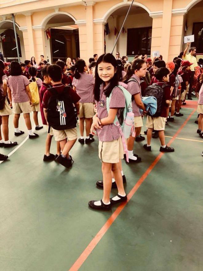 Phạm Quỳnh Anh và loạt sao Việt nô nức đưa con cưng đến trường ngày đầu năm học mới