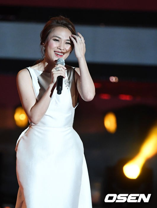 Mỹ Tâm hớp hồn fan khi hát hit say rượu phiên bản tiếng Hàn, được báo chí nước bạn tán dương