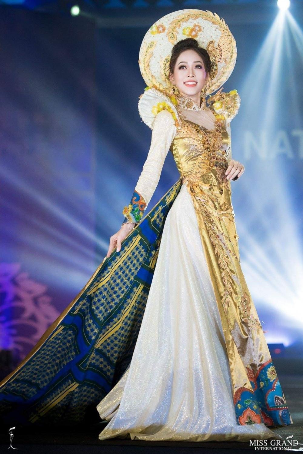 Bùi Phương Nga xếp thứ 2 trang phục dân tộc được yêu thích nhất, có cơ hội chiến thắng cao