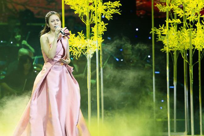 Mỹ Tâm hất ngã Taylor Swift và Ariana Grande, thống trị BXH âm nhạc Spotify Việt Nam