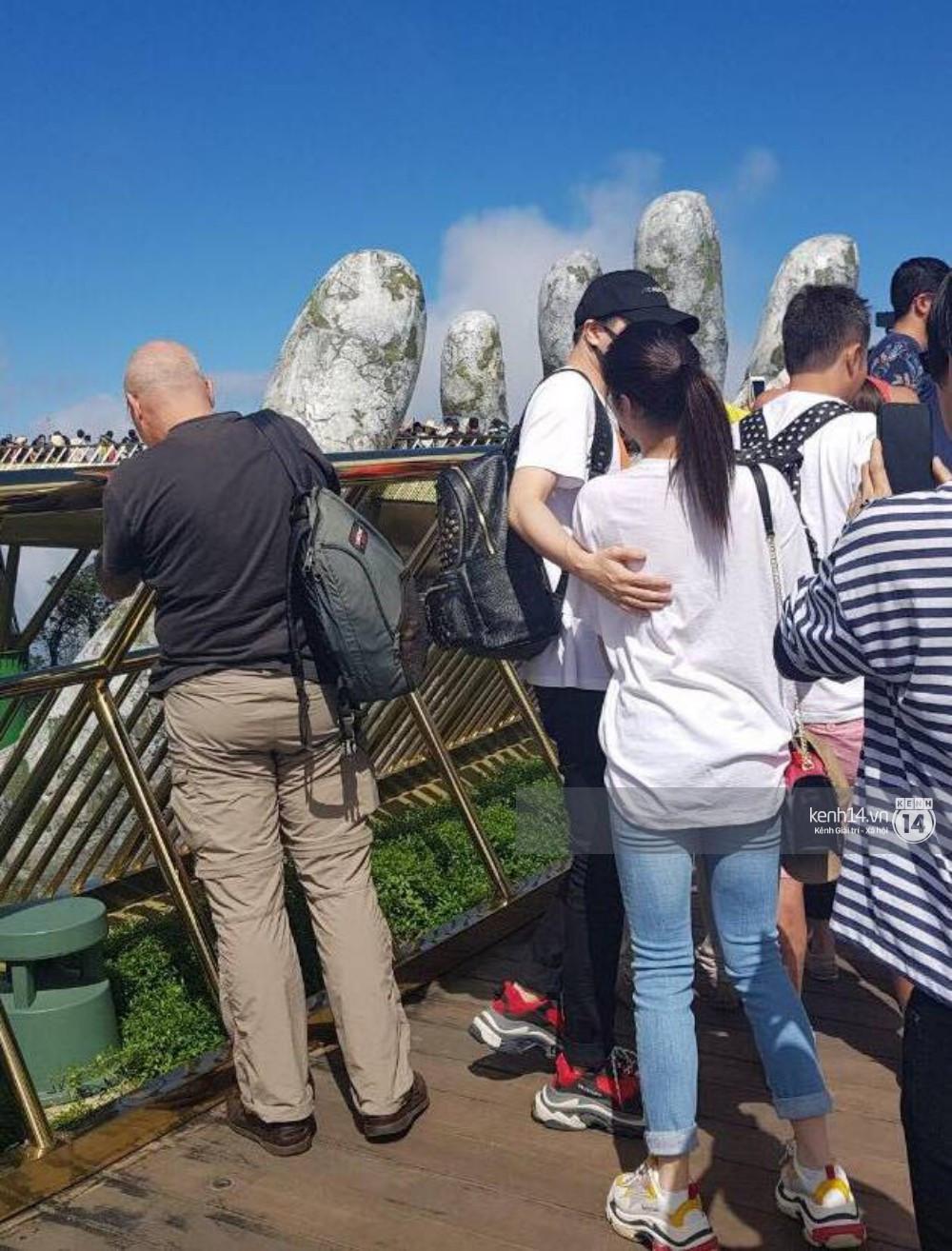 Rò rỉ hình ảnh được cho là Trịnh Thăng Bình đi giày đôi, tình tứ bên Liz Kim Cương tại Đà Nẵng
