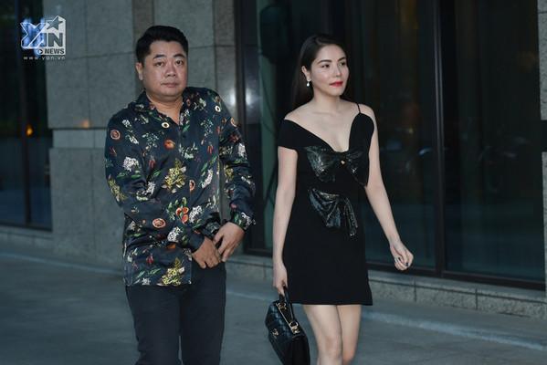Dàn sao Việt nô nức đến dự tiệc cưới của rapper Tiến Đạt và vợ kém 10 tuổi