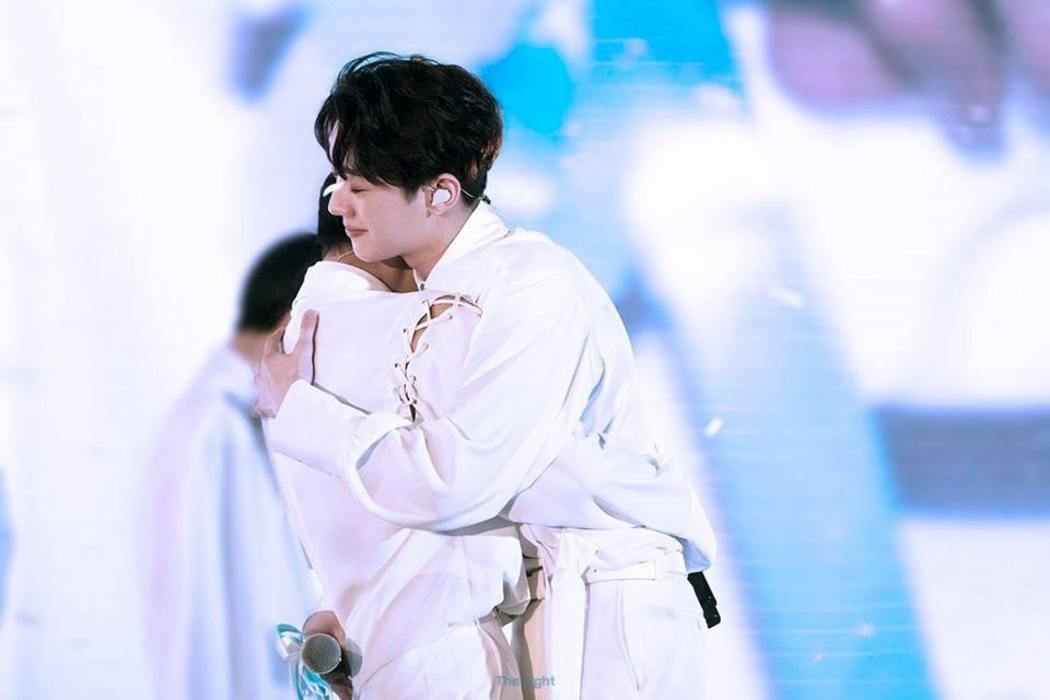 Concert cuối nhưng công ty chủ quản Wanna One vẫn bị ném đá vì kịch bản quá tàn nhẫn