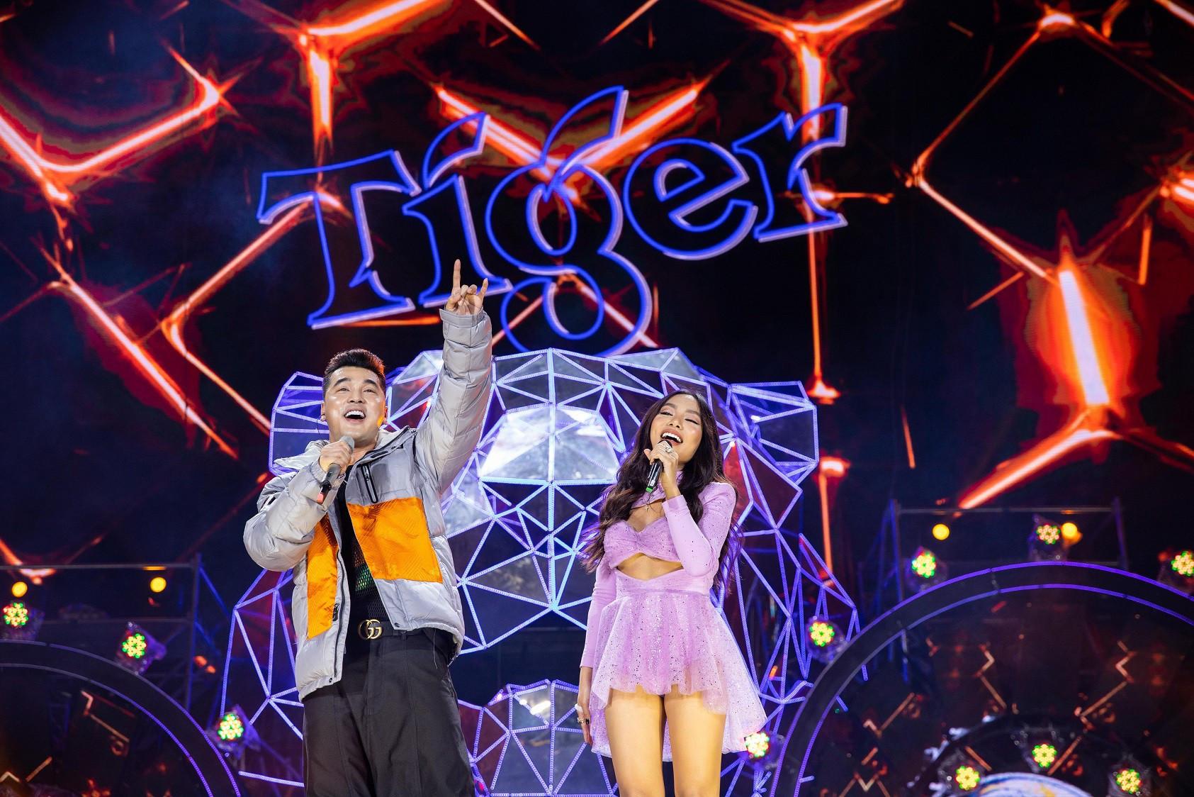 """Sau khăn """"bà ngoại"""", Sơn Tùng tiếp tục khiến fan """"bấn loạn"""" với style """"ông ngoại quốc dân"""""""