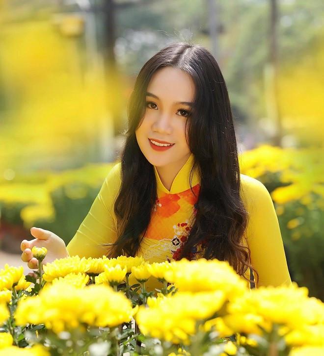 Con gái Trịnh Kim Chi: Từ cô bé đen nhẻm mũm mĩm thành thiếu nữ 1m72, xinh như hot girl
