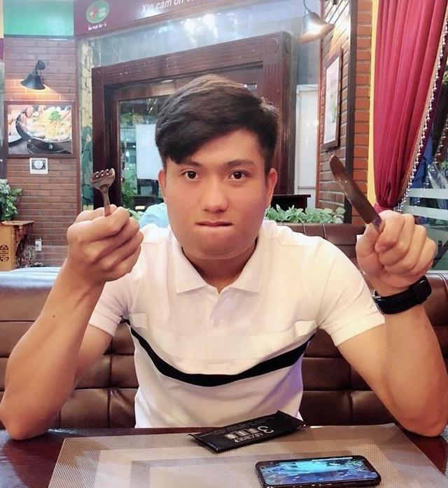 Cầu thủ Việt tăng cân sau Tết: Quang Hải, Tiến Dũng béo tròn vẫn đẹp, nhìn Công Phượng quá thương