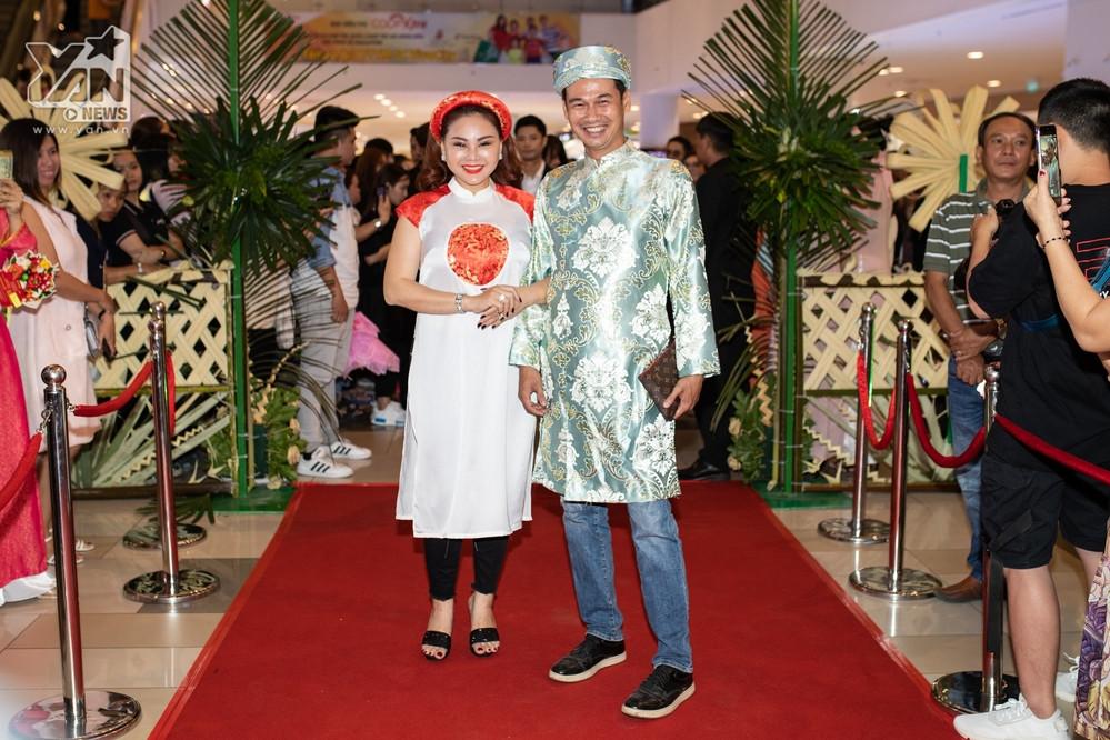 Sao Việt lộng lẫy , rần rần dự sự kiện, Ngọc Trinh gây sốt khi hóa thân thành cô dâu