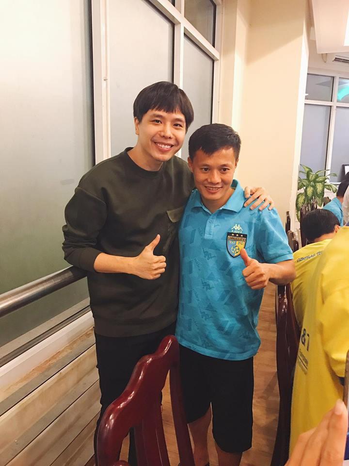 Mối quan hệ đặc biệt giữa Trịnh Thăng Bình với Duy Mạnh, Quang Hải và dàn tuyển thủ Việt đang hot nhất trên sân cỏ