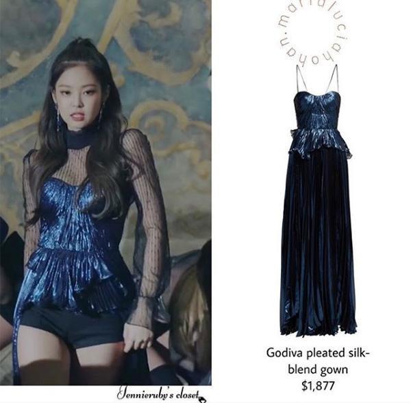 Giàu như stylist của Blackpink: váy trăm triệu, áo chục triệu nhưng thích là cắt hết