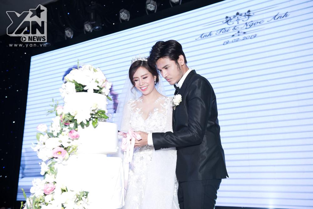 Chồng soái ca hát tặng nữ diễn viên Gạo nếp gạo tẻ trong đám cưới cổ tích