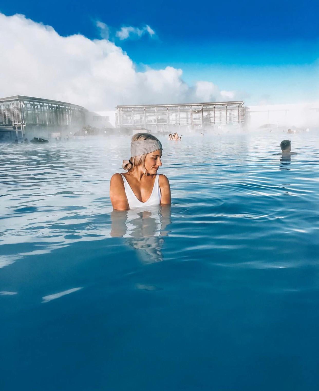 Có gì đặc biệt ở hồ nước nóng mà Bảo Anh vừa check-in một phát là có ngay 120k likes trên Instagram?