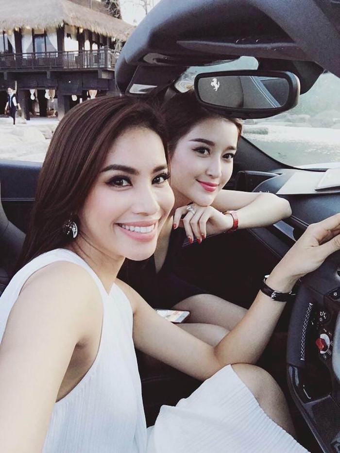 Dàn siêu xe cực hiếm của vua cà phê: Không ngờ 7 nàng hậu Việt cũng có vinh dự ngồi sau tay lái