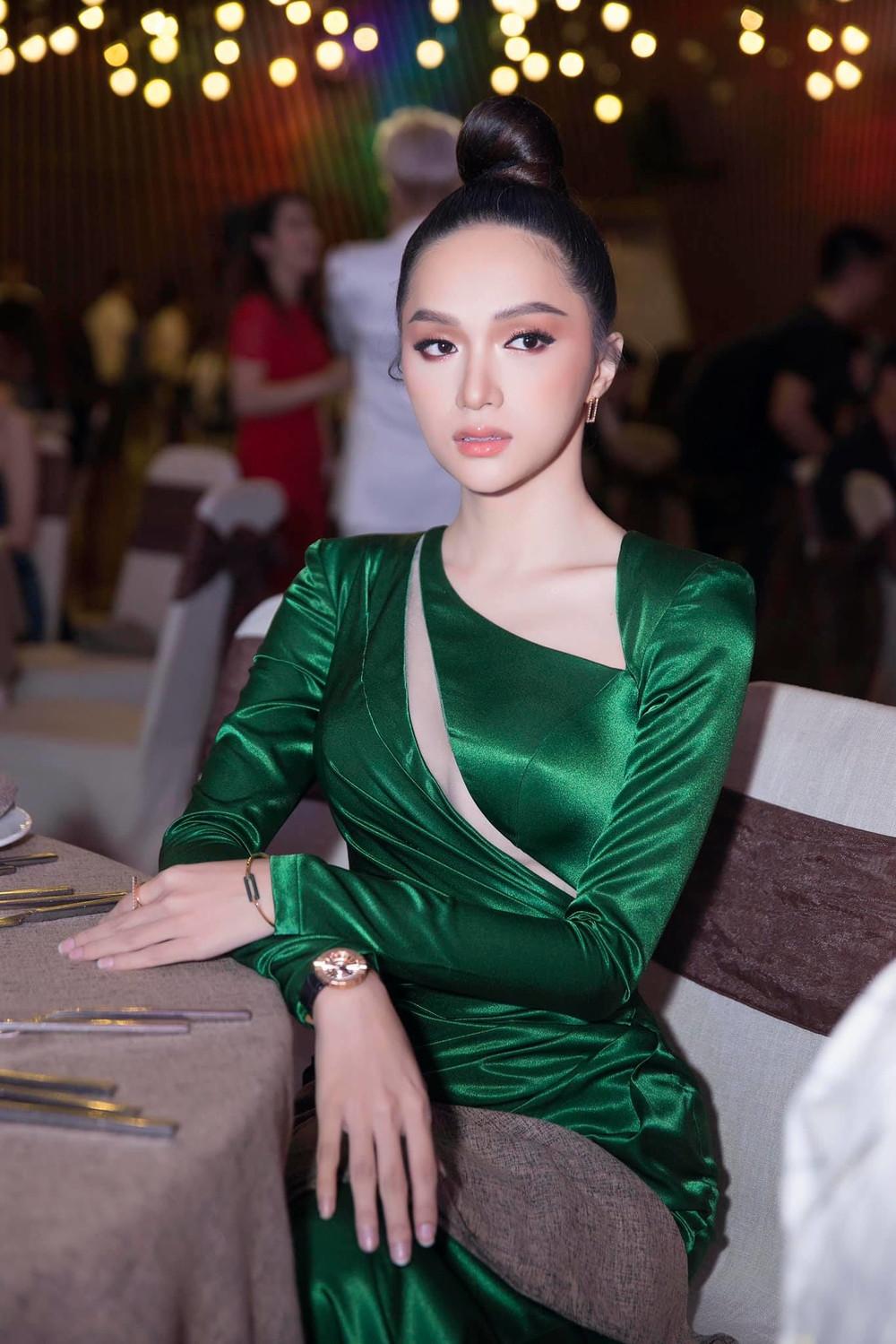 Vietnams Next Top Model 2019 đăng hình ảnh cờ LGBT, fan phấn khích gọi tên Hương Giang