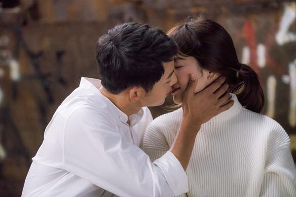 Song Hye Kyo và Song Joong Ki đã yêu nhau quá đẹp ở Hậu duệ mặt trời