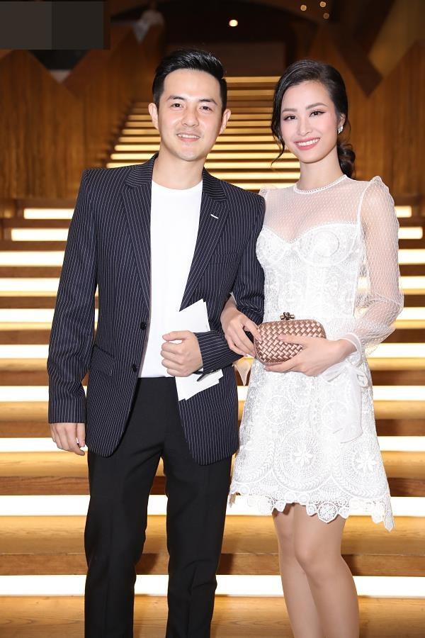 Đi ăn cưới: Vợ chồng Lâm Khánh Chi, Trấn Thành 'lấn át' cả dâu – rể, nhà Khởi My khác biệt hẳn