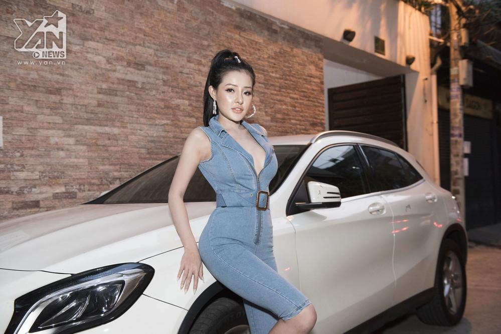 Cận cảnh ngoại hình lai Tây của Lương Bằng Quang cùng bạn gái kém 16 tuổi hậu PTTM