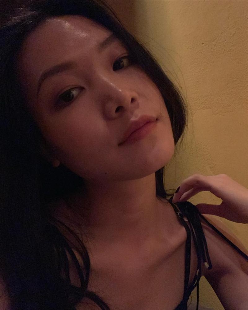 Du hí trời tây cùng người tình Kim Lý, bảo sao Hồ Ngọc Hà cười tít mắt không thấy mặt trời