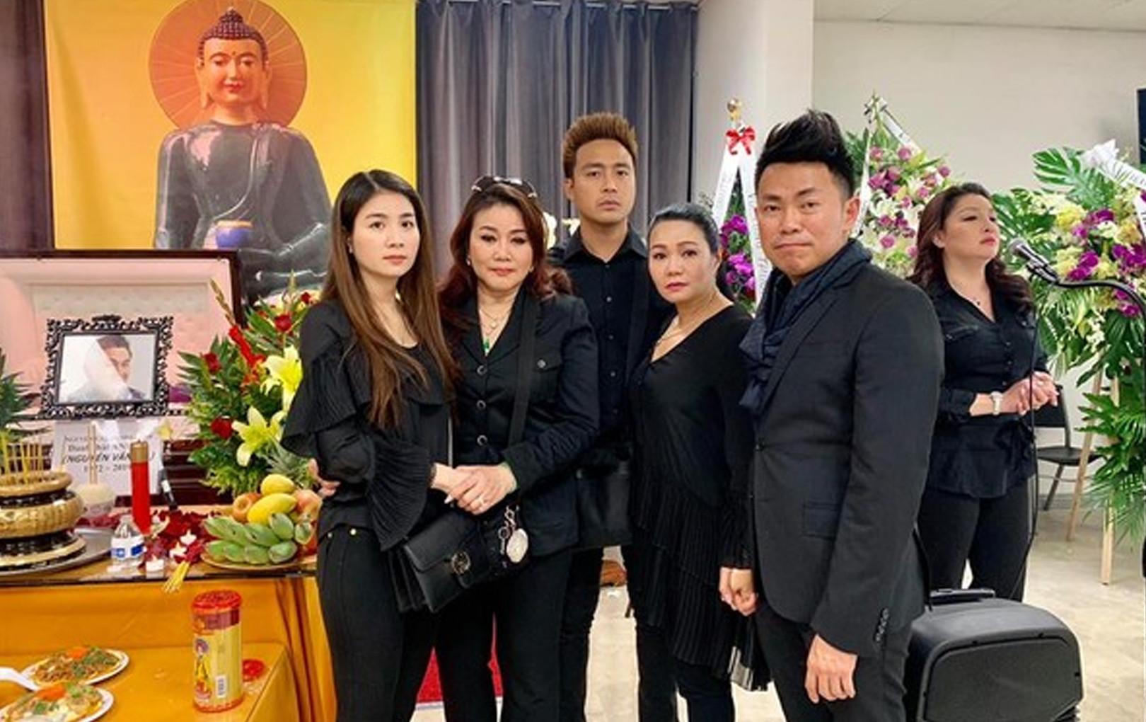 Hương Lan, Hồng Đào, Thanh Duy, Kha Ly đến tiễn biệt Anh Vũ tại Mỹ: Ấm áp tình nghệ sĩ
