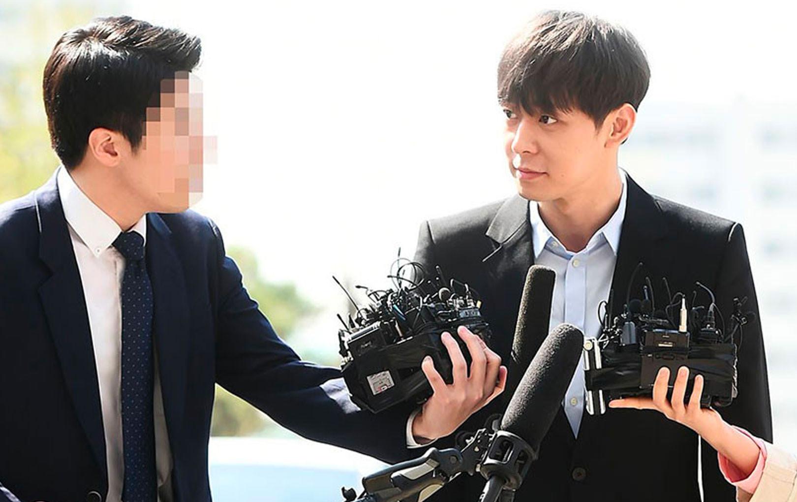 NÓNG: Cảnh sát có trong tay CCTV chứng minh Yoochun lén lút mua bán chất cấm?