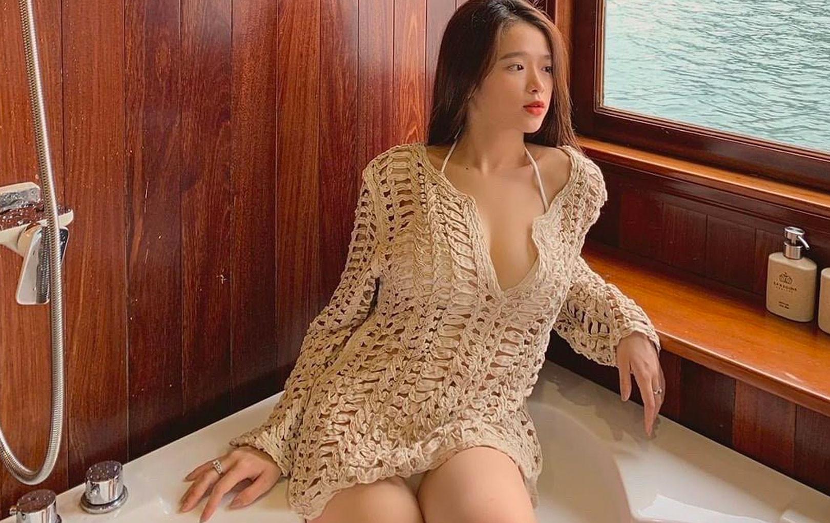 """2 năm và 4 lần diện bikini đưa Linh Ka từ cô bé bắt trend gây sốc trở thành thiếu nữ sở hữu body """"đốt mắt"""""""
