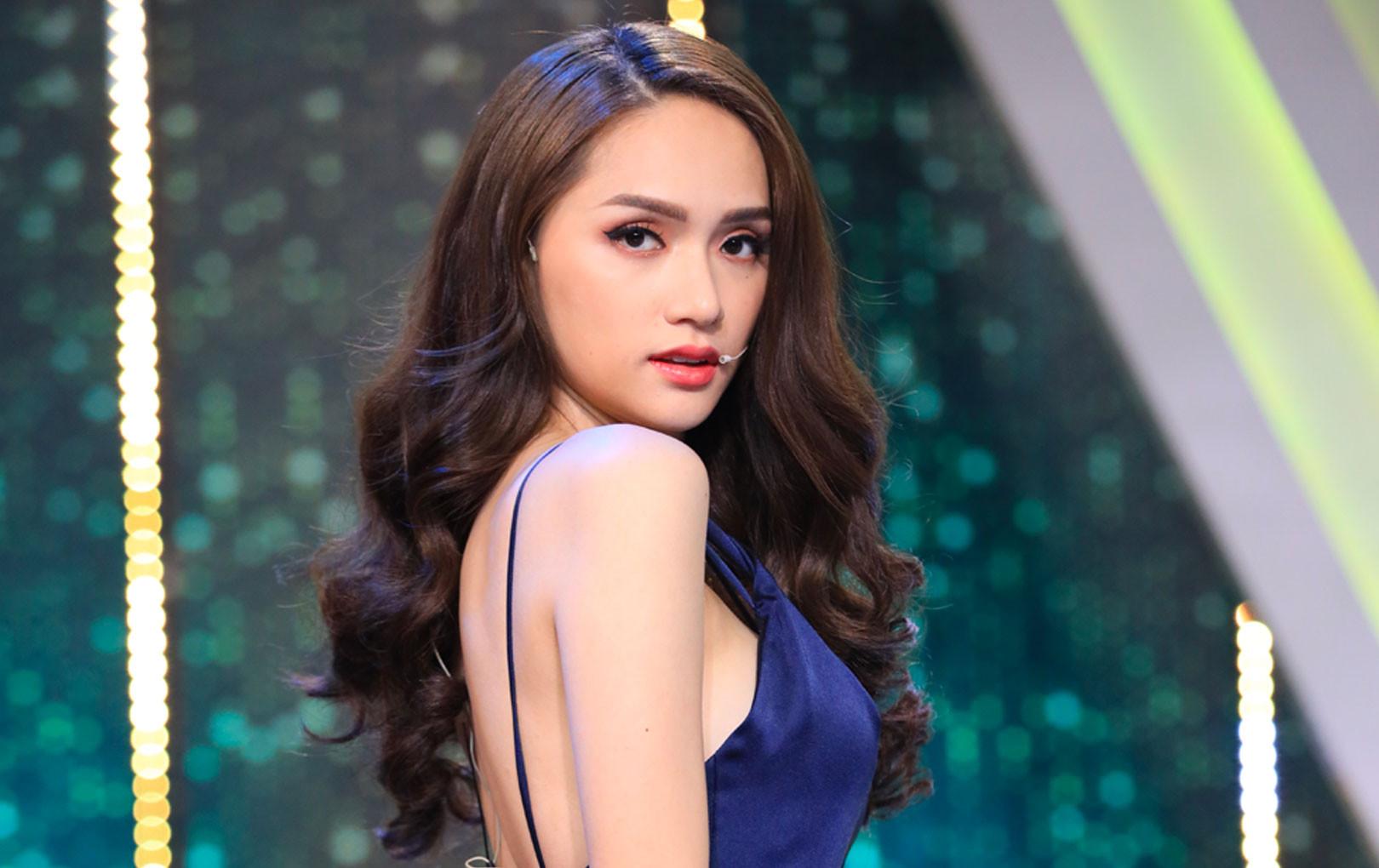 """""""Người ấy là ai?"""": Lần đầu tiên xem chương trình mà khán giả chỉ chăm chăm chú ý đến Hương Giang vì quá xinh"""