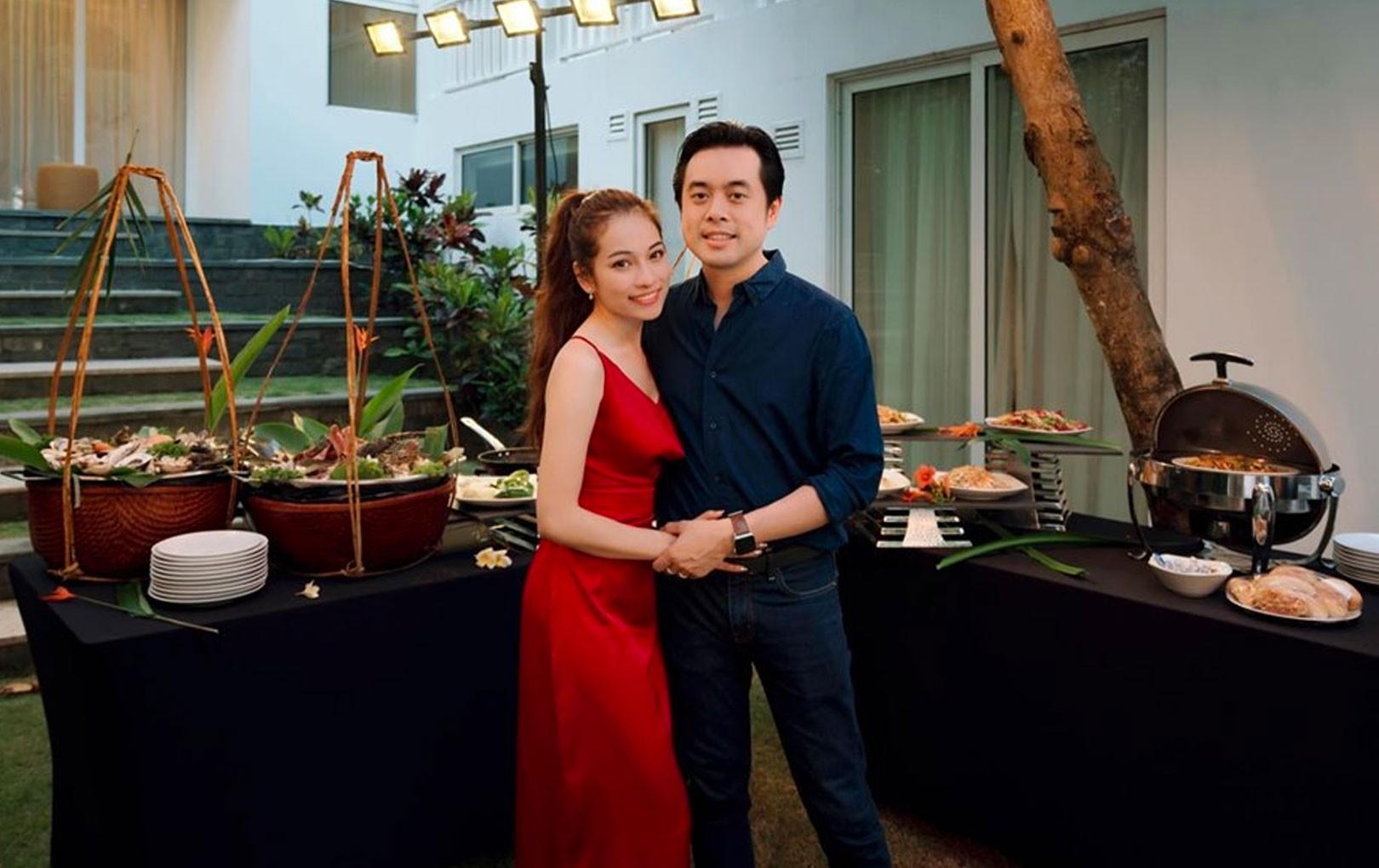 Dương Khắc Linh lên tiếng về việc bà xã kém 13 tuổi mang bầu con đầu lòng