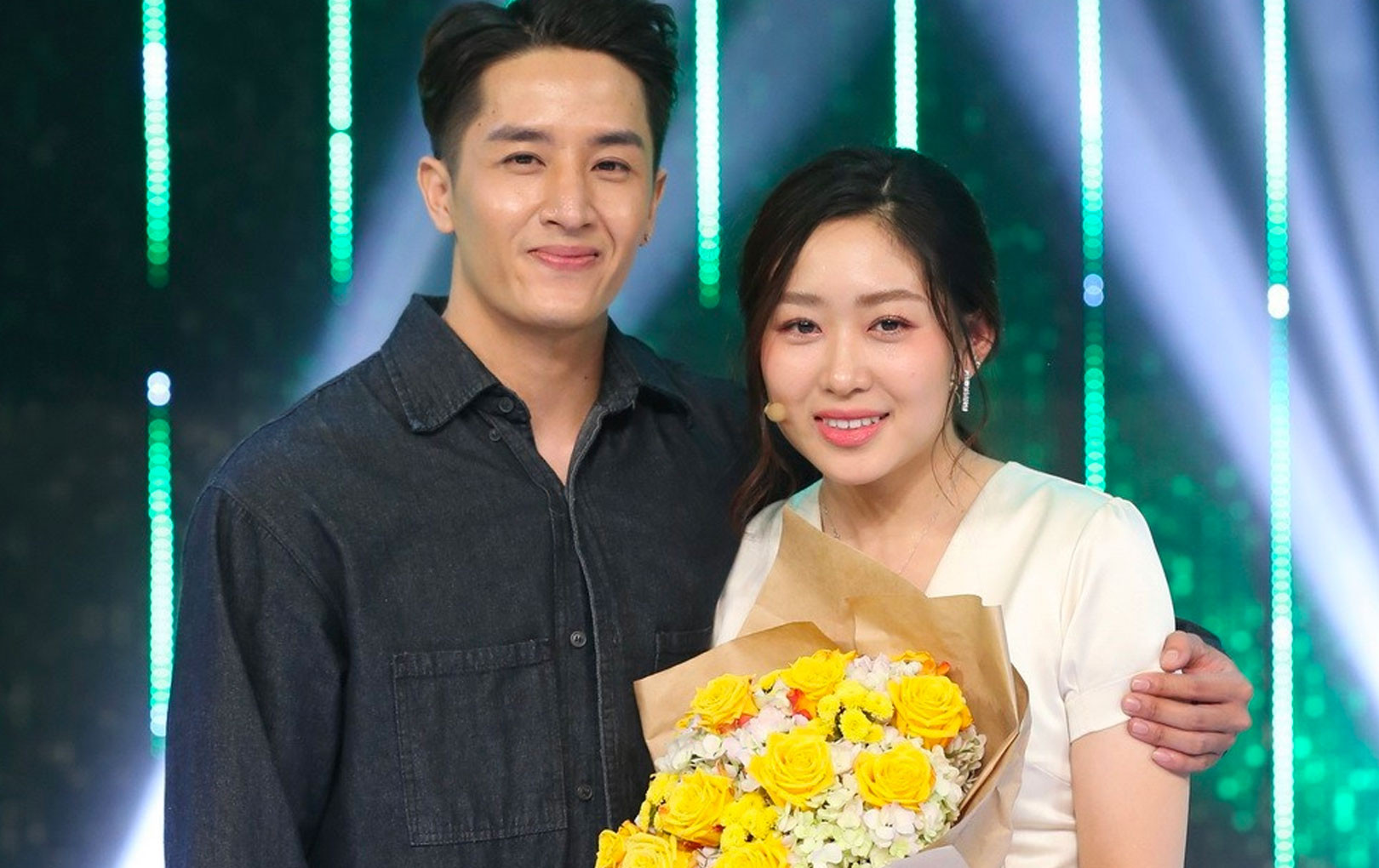 """Huy Phong - Thùy Linh: Cặp đôi hẹn hò thật, siêu đáng yêu kết đôi sau """"Người ấy là ai"""""""