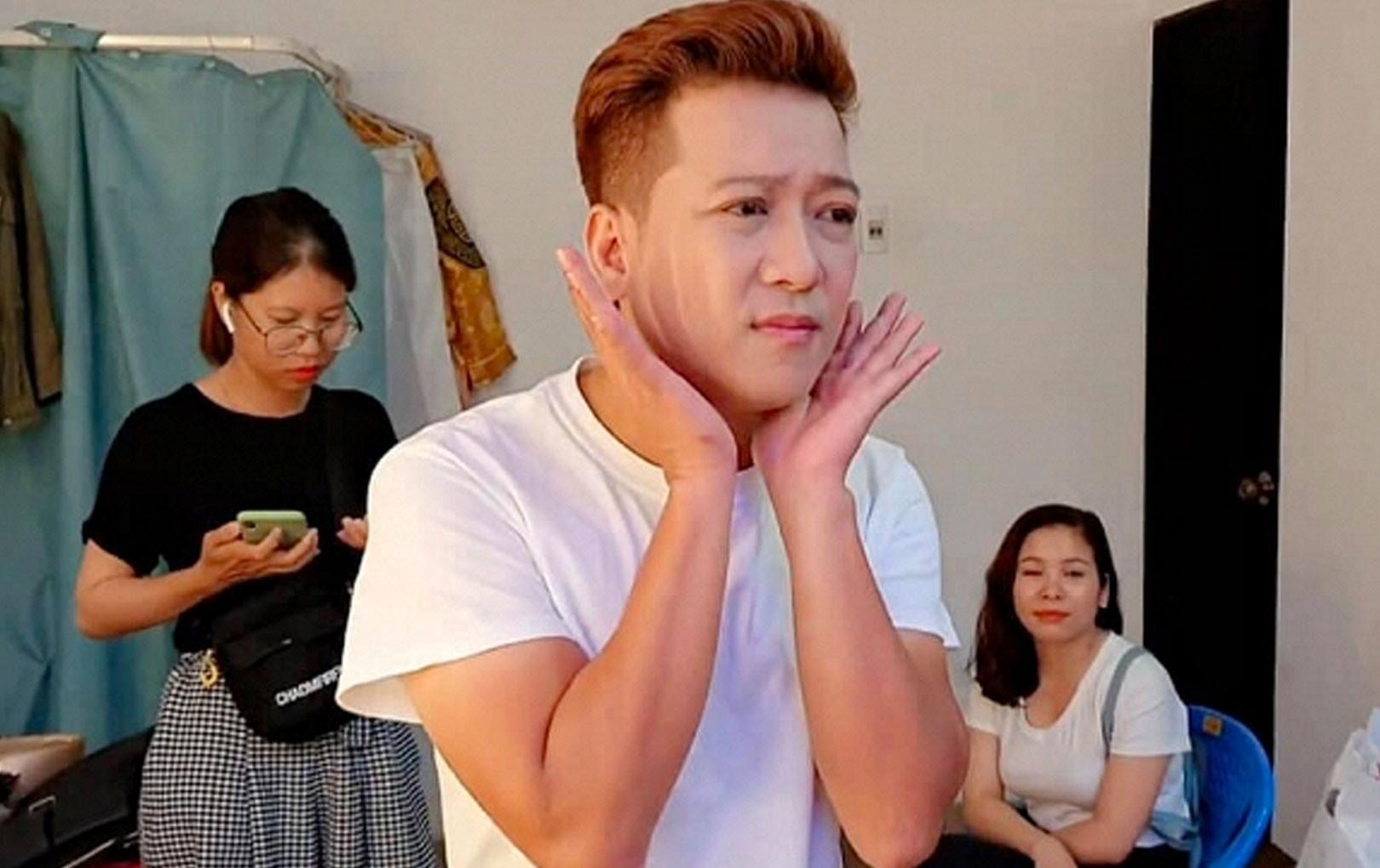 """Để xứng đôi vợ trẻ, Trường Giang bất ngờ thay đổi điểm này trông cực điển trai khiến fan phải """"dụi mắt"""" liên tục vì xuýt không nhận ra"""