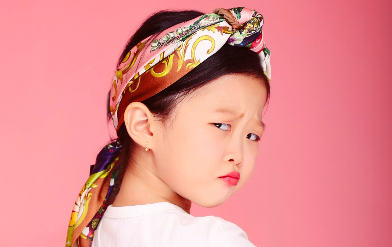 """Bé 5 tuổi 3 lần vô địch Nhanh như chớp nhí: """"Chị Ba bất biến"""" là ai mà khiến hàng loạt sao Việt phát cuồng?"""