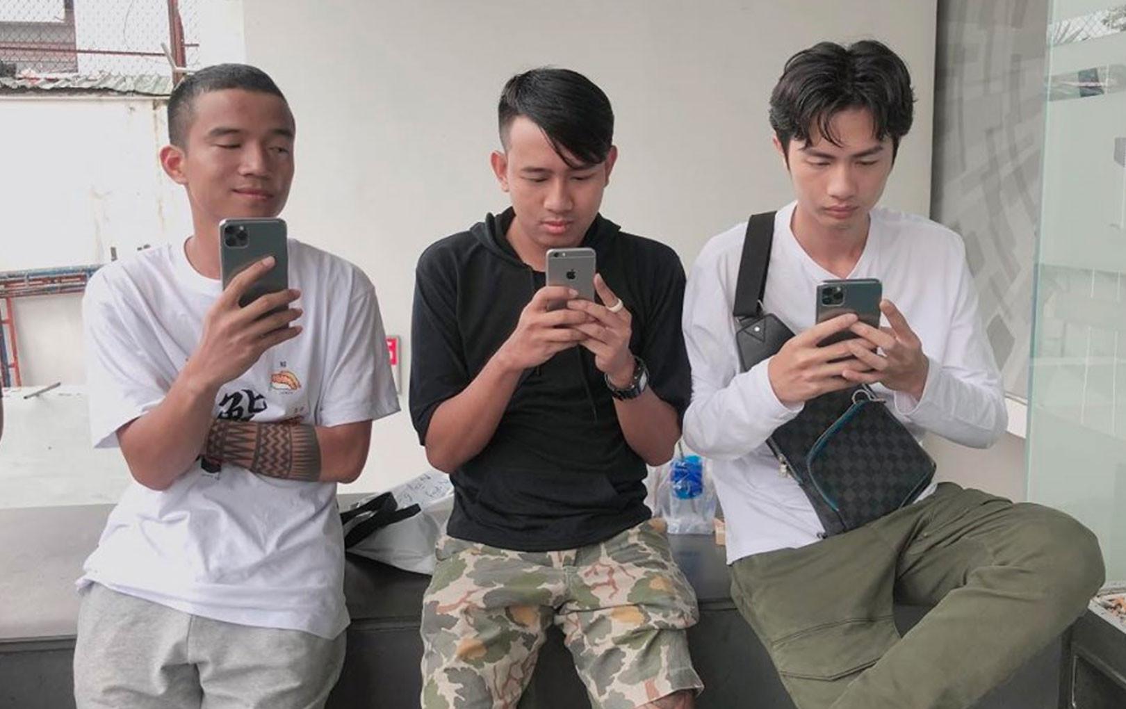 """Thái Vũ FAPtv tức giận vì bị Huỳnh Phương """"khè"""" iPhone 11 Pro Max: """"Nhìn mặt những con người giàu có, thấy ghét thật chứ"""""""