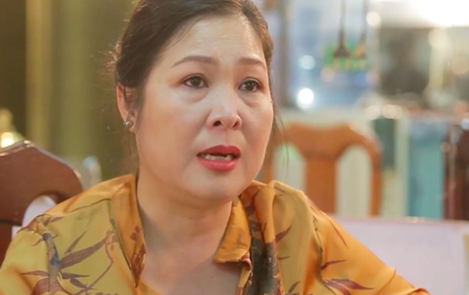 NSND Hồng Vân đau lòng thông báo chính thức đóng cửa sân khấu kịch sau 14 năm gây dựng