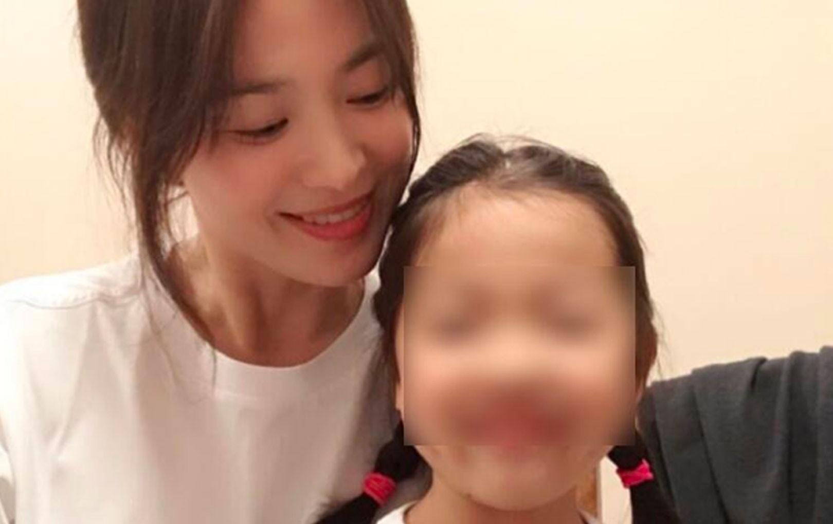 Song Hye Kyo khoe ảnh cùng nụ cười rạng rỡ khi dành thời gian ở bên gia đình