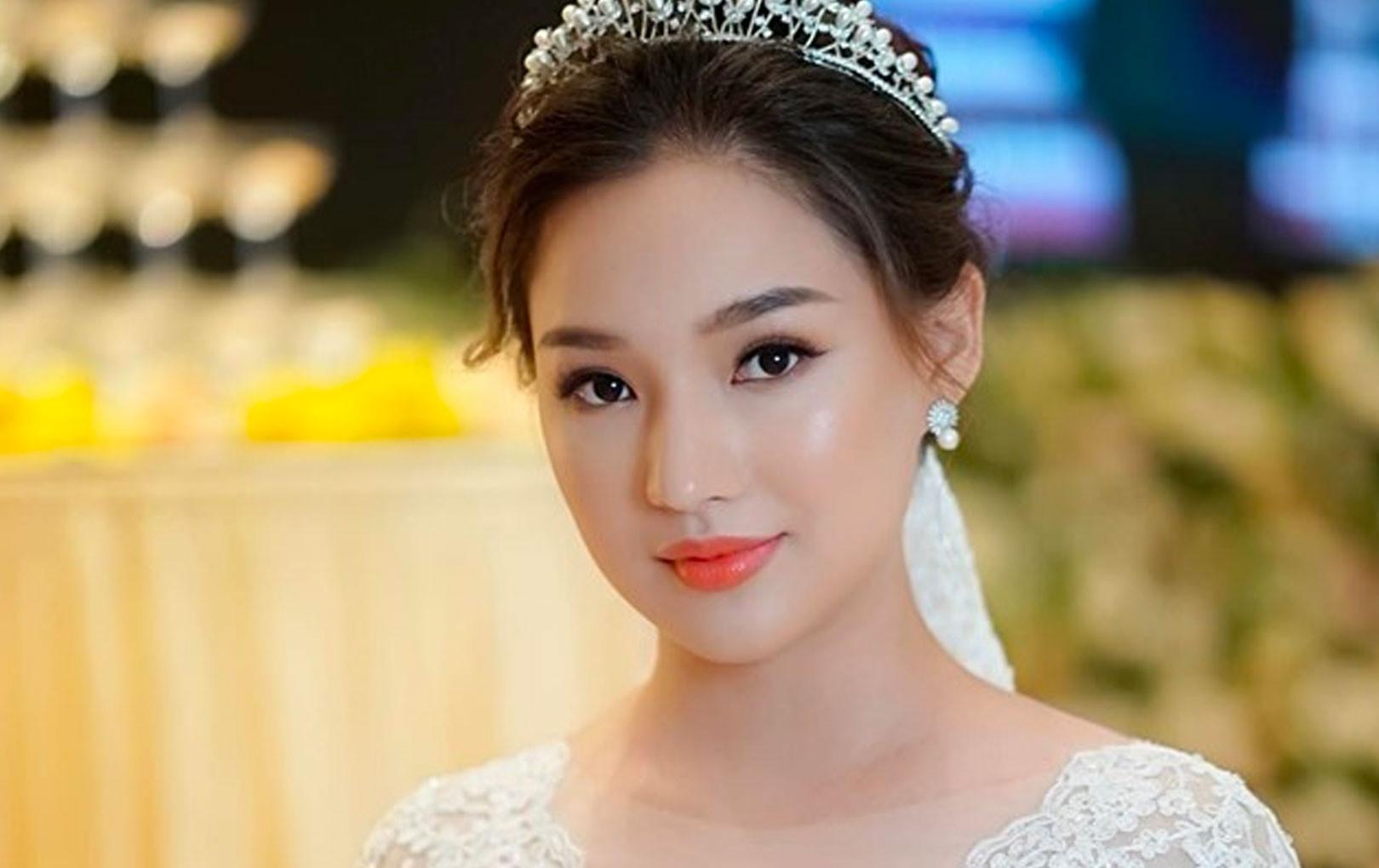 Vợ cố diễn viên Duy Nhân xinh đẹp nhẹ nhàng nhưng đầy cuốn hút trong ngày cưới ở Hà Nội