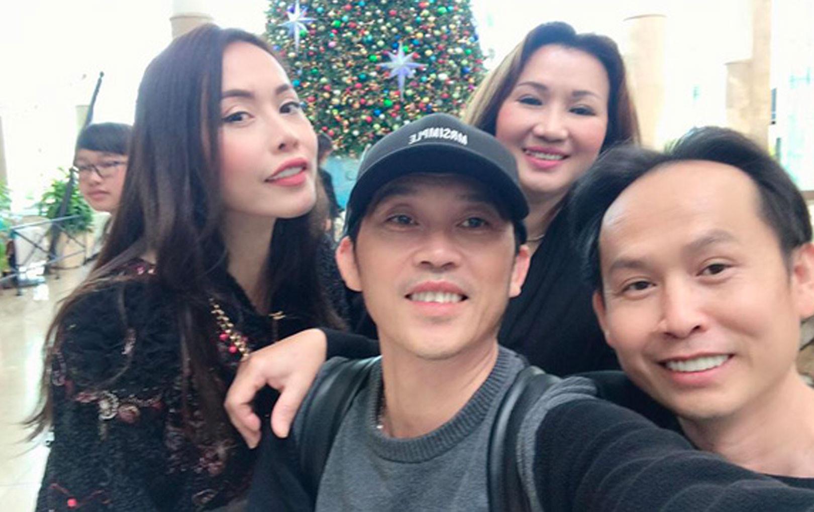 Hoài Linh tiết lộ hình ảnh quây quần bên các anh chị em ở Mỹ nhân dịp cuối năm