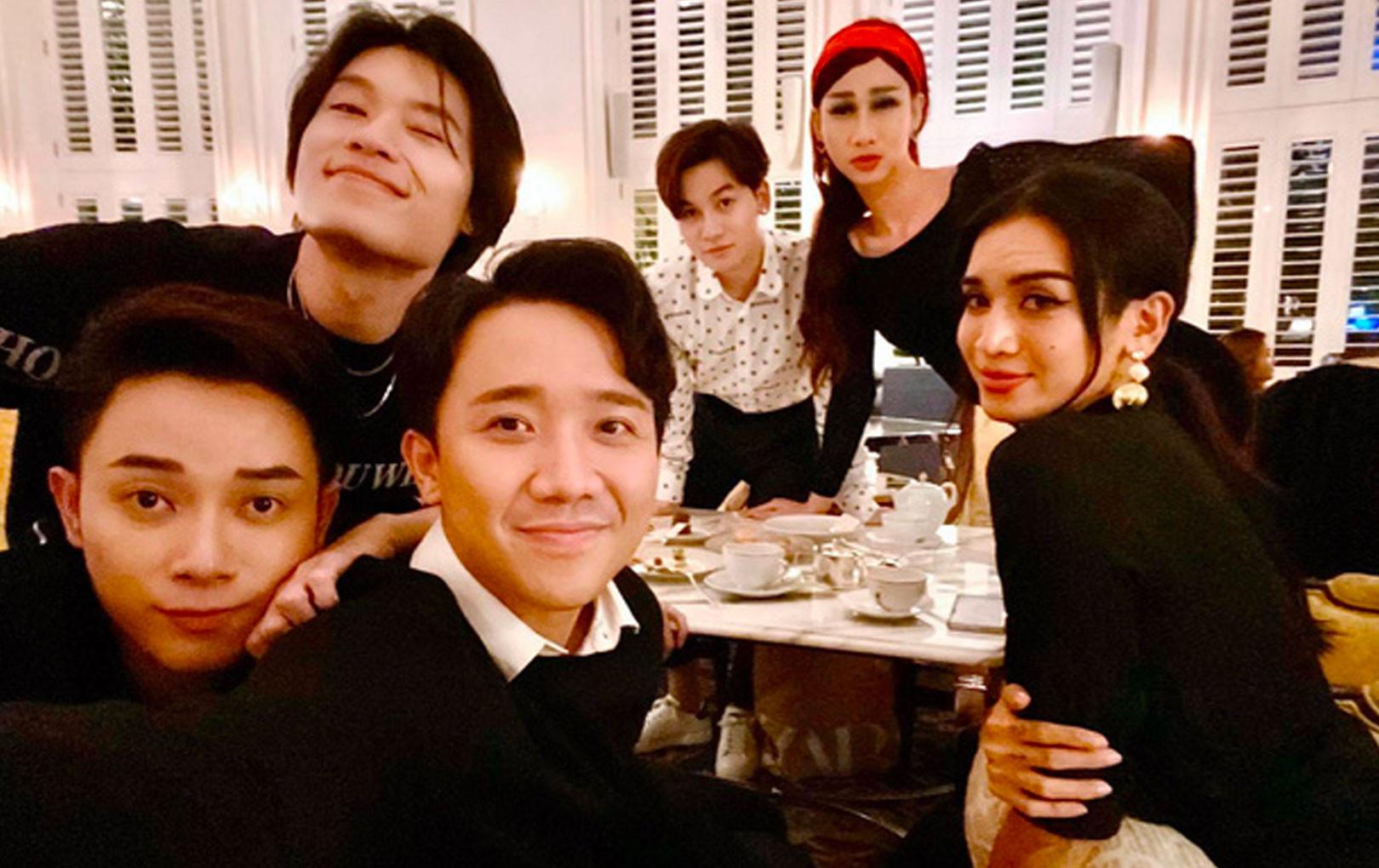 Trúc Nhân được Trấn Thành, BB Trần và hội bạn thân nổi tiếng của Vbiz tề tựu chúc mừng sinh nhật