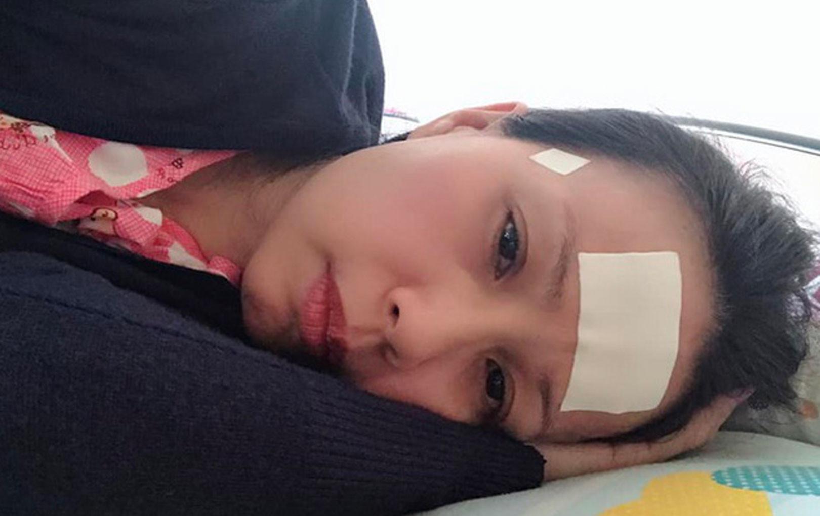 Cẩm Ly sụt cân, đi bệnh viện cấp cứu vì nhiễm trùng cánh tay, nặng đến mức hủy bỏ show diễn
