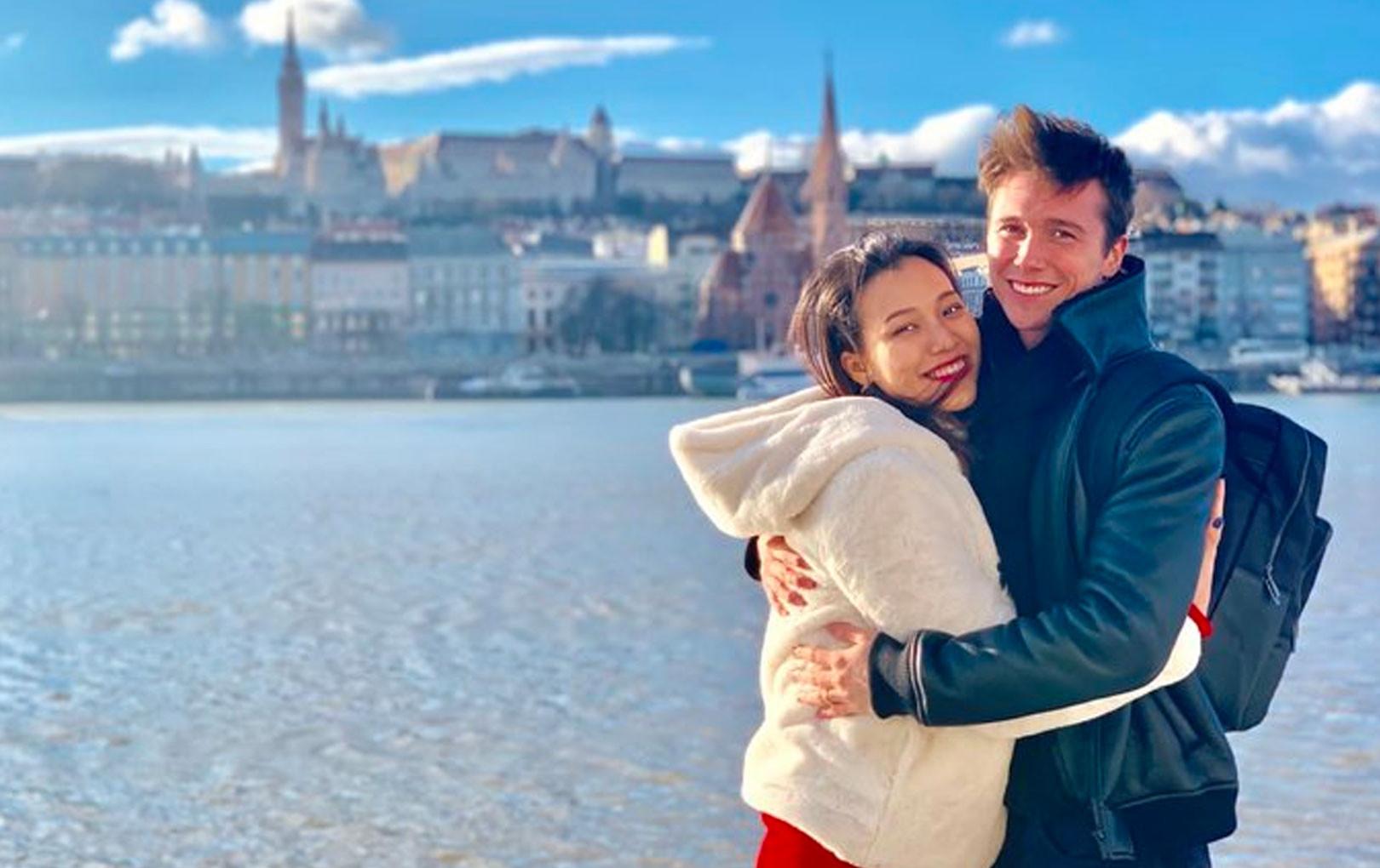 MC Hoàng Oanh hạnh phúc cùng chồng Tây du lịch châu Âu hưởng tuần trăng mật muộn