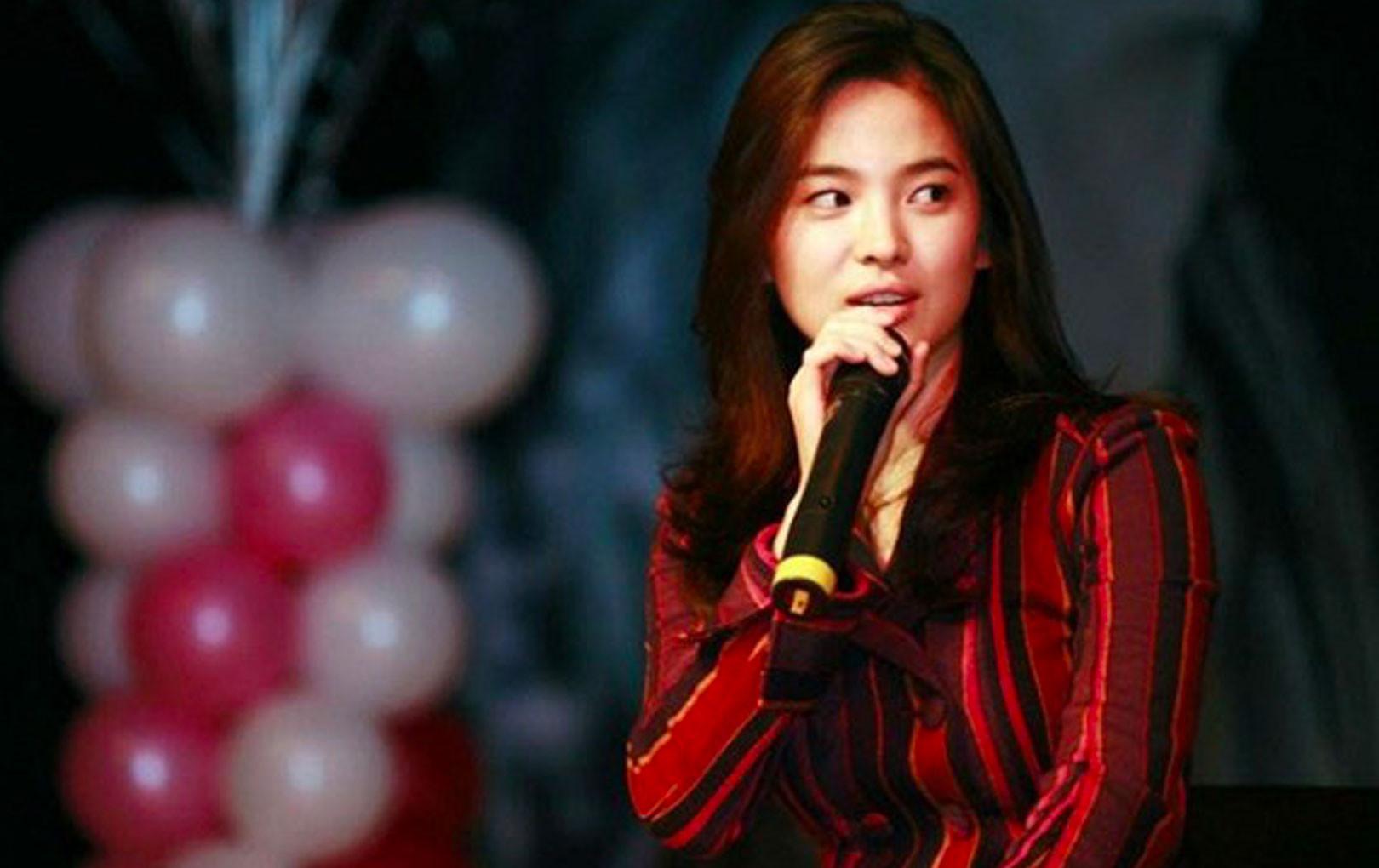 """CĐM """"khui"""" lại nhan sắc thời xưa của Song Hye Kyo qua loạt ảnh cách đây hơn 1 thập kỷ"""