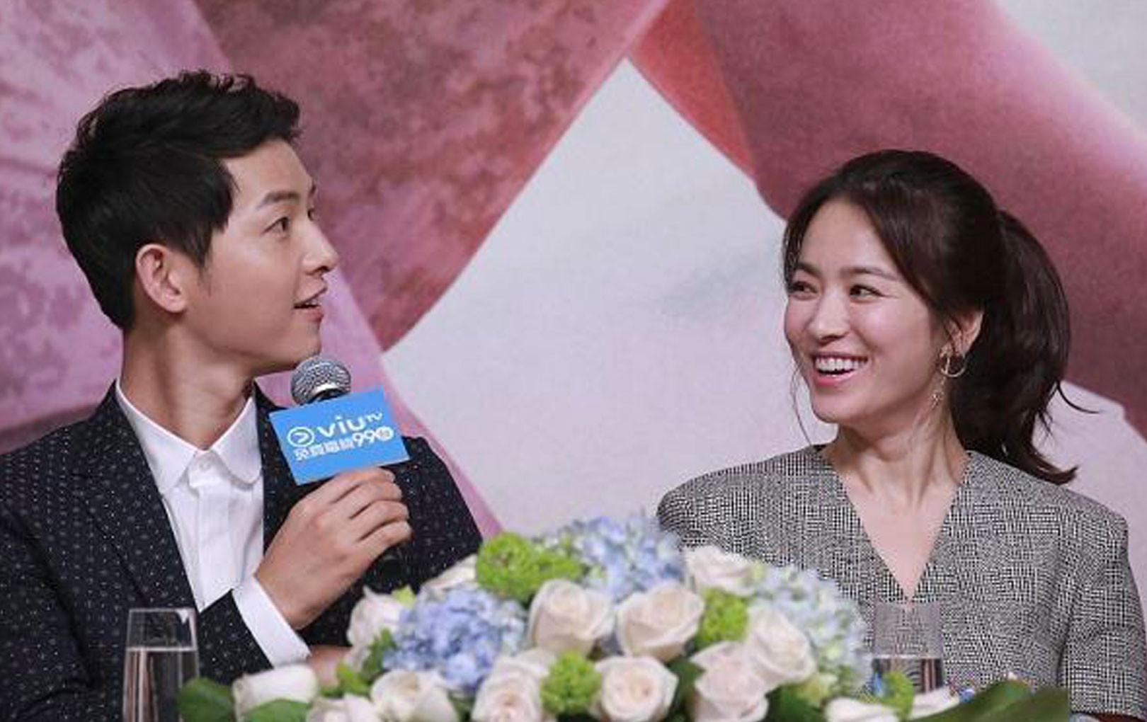 """Sau khi ly hôn Song Hye Kyo, truyền thông chỉ ra chi tiết này khiến CĐM gọi Song Joong Ki là """"kẻ nói dối""""?"""